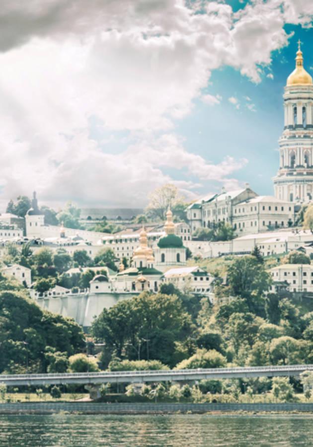 De Volta ao Mosteiro Resumo