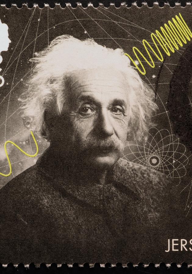 Einstein:  Biografia de um gênio imperfeito Resumo
